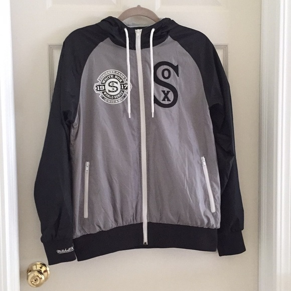 Mitchell & Ness Jackets & Blazers - NWOT White Sox Black and Gray Jacket with Hood (S)